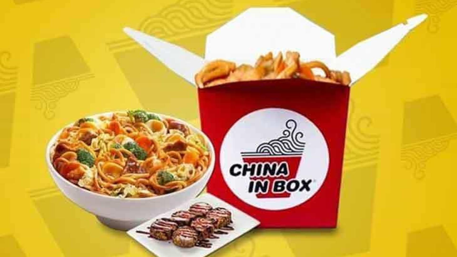 Clientes de fast food que encontraram caco de vidro na comida serão indenizados
