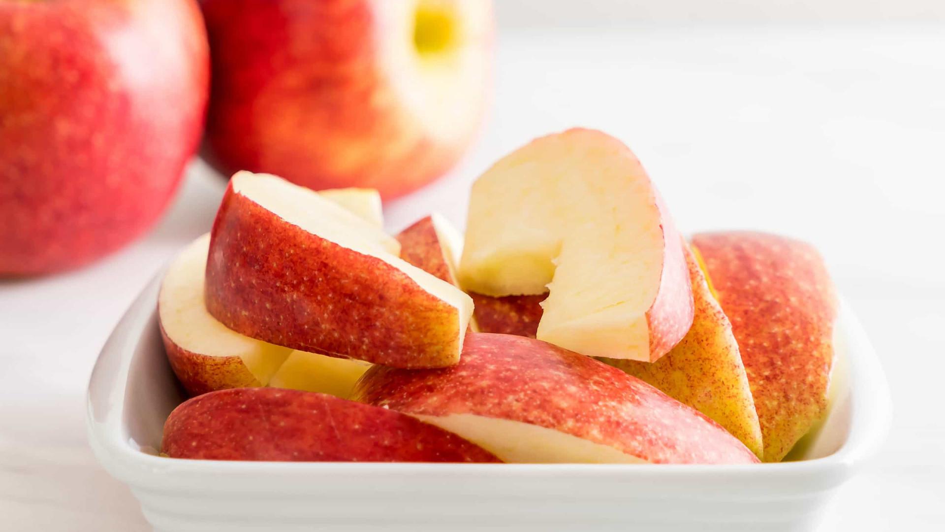 Truque simples para manter a fruta cortada sem oxidar