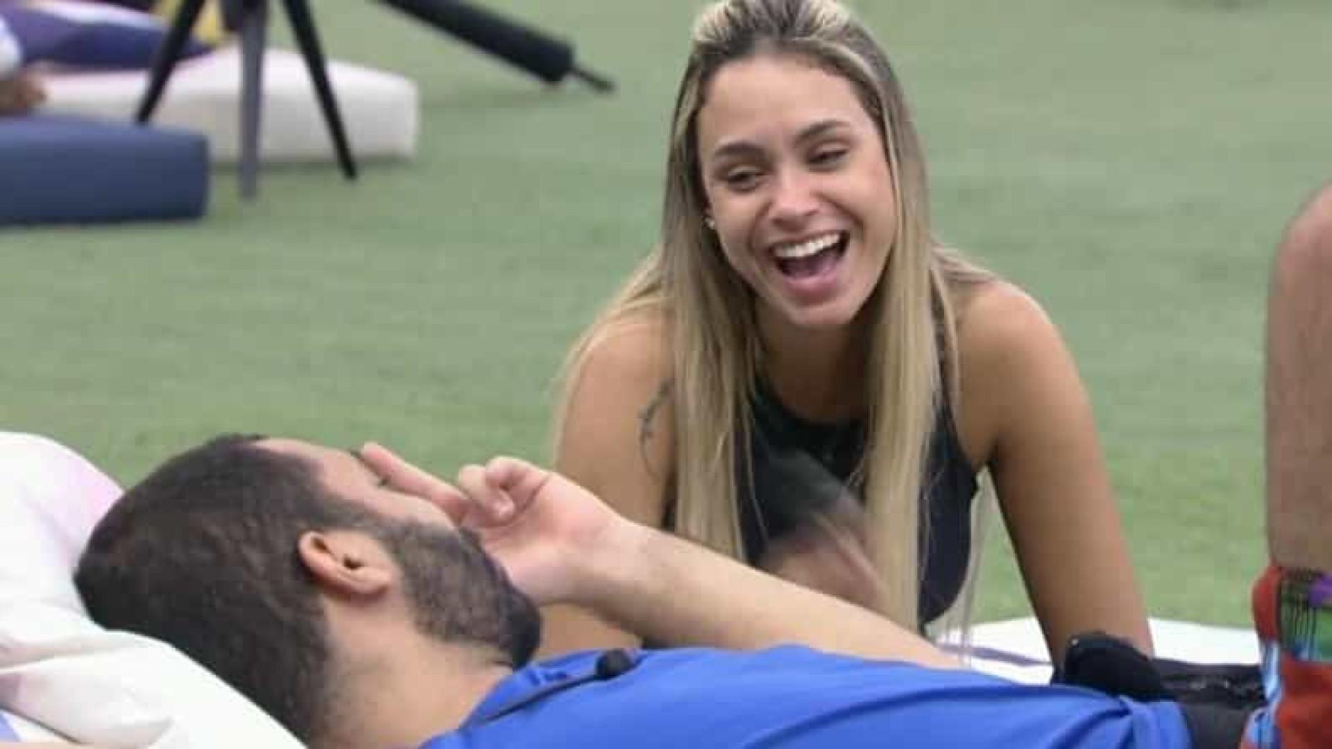 Sarah é defendida por Thiago Gagliasso após dizer que gosta de Bolsonaro
