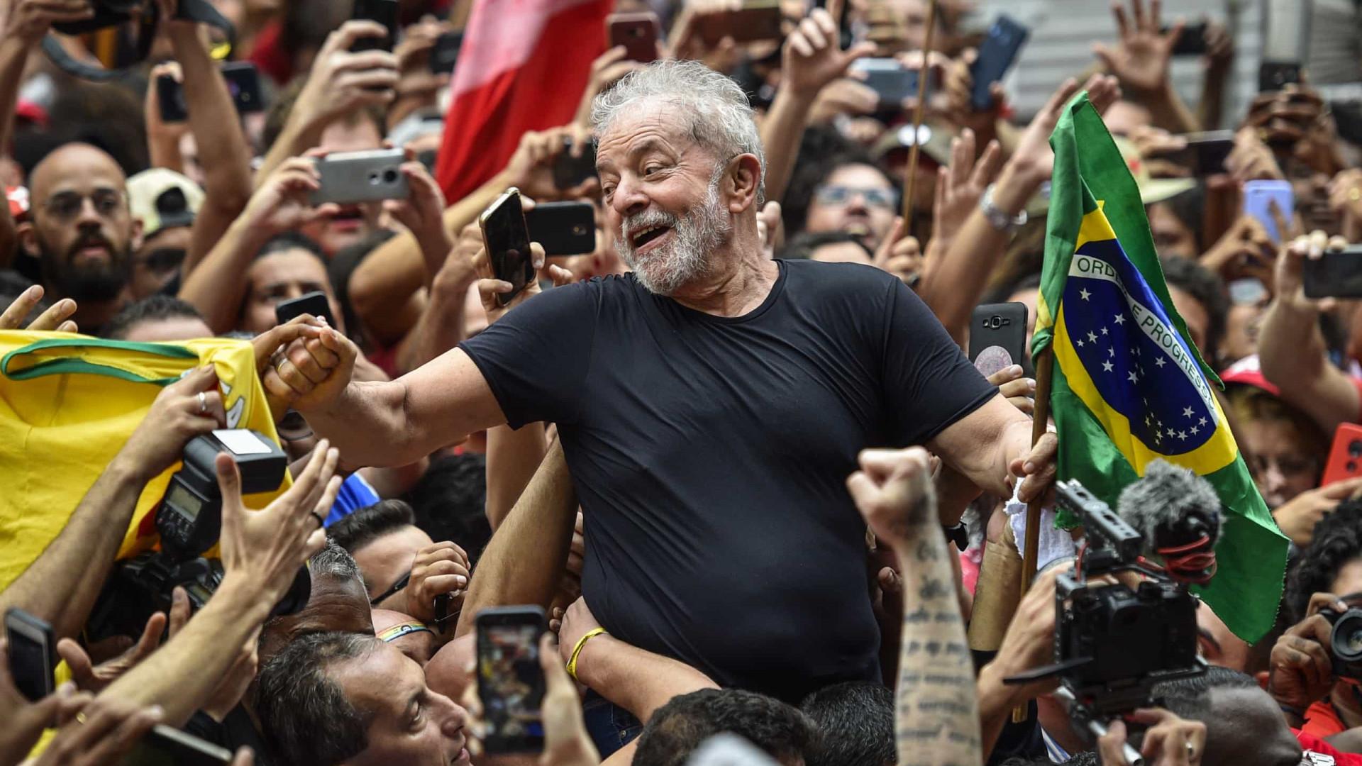 Lula admite que será candidato em 2022 em entrevista à revista francesa