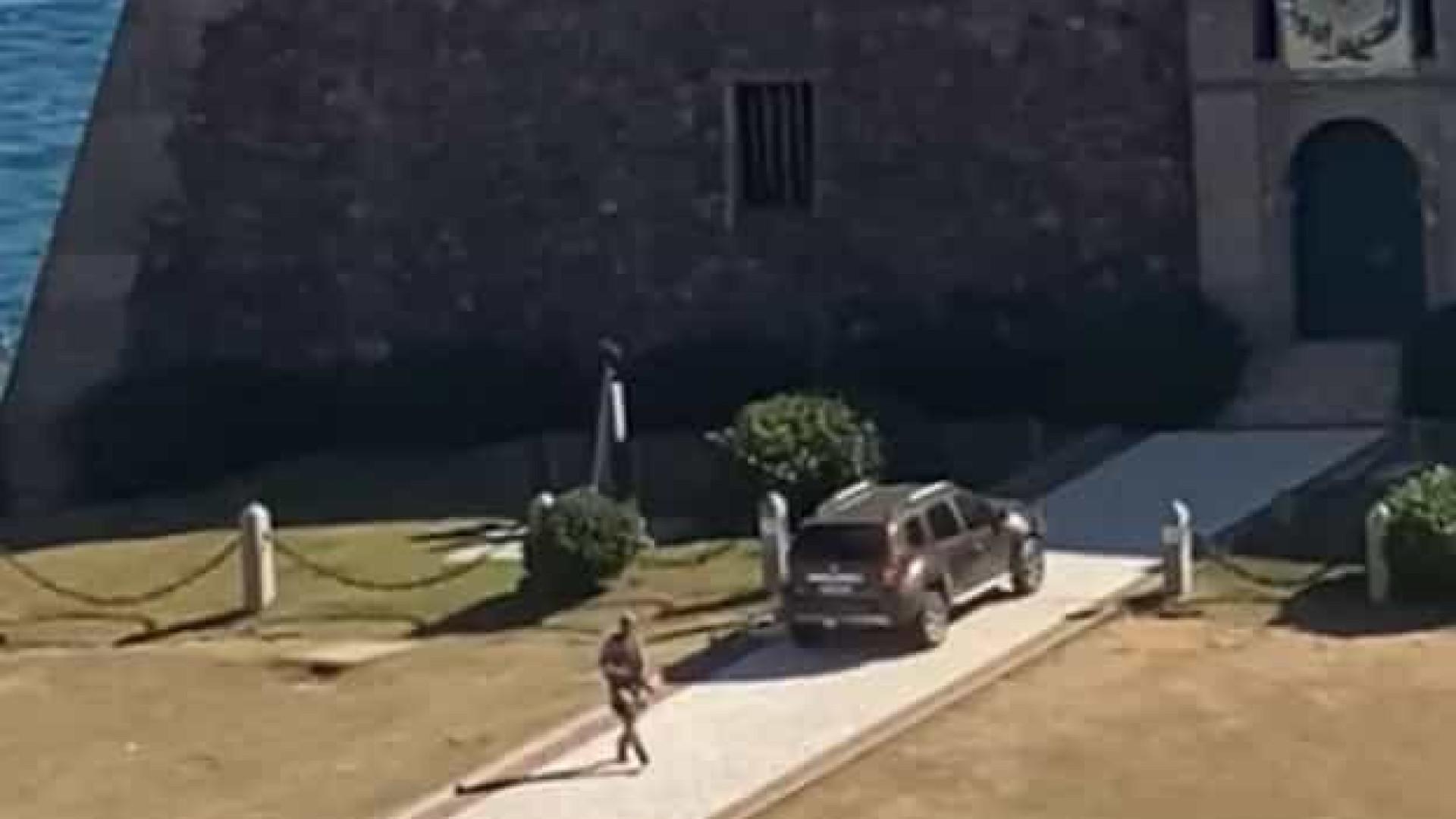 """Policial militar """"surta"""" e dispara tiros para cima em Salvador"""