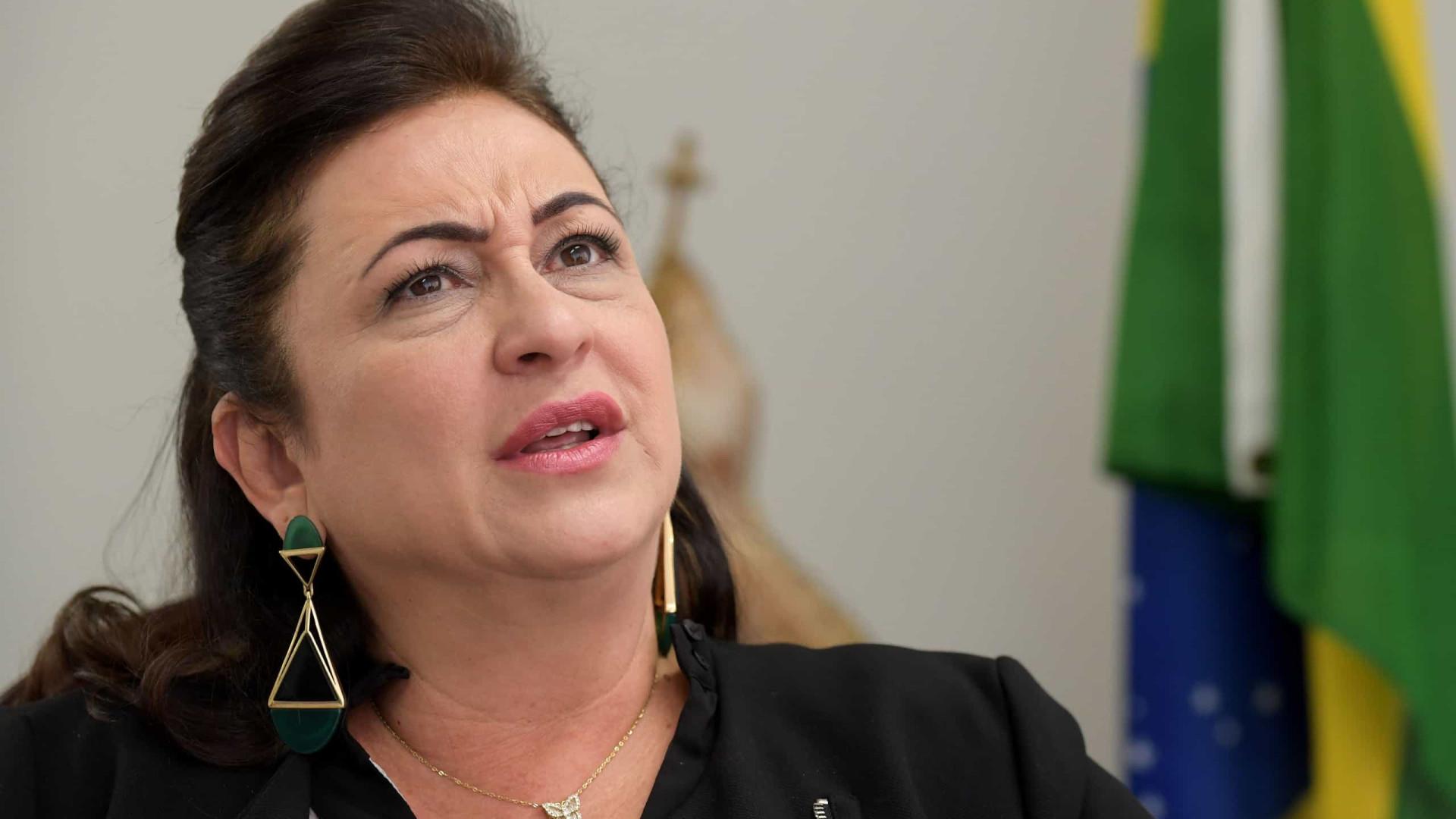 Kátia Abreu diz que Ernesto foi bússola que 'nos direcionou para o caos'
