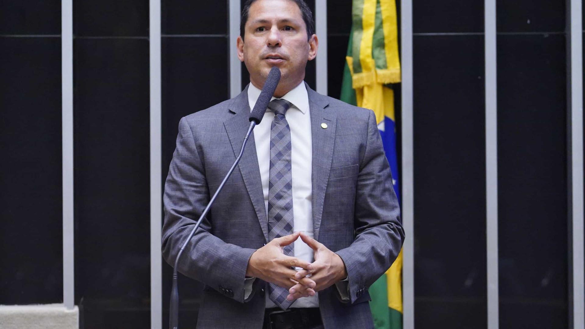Vice-presidente da Câmara pede análise de pedidos de impeachment
