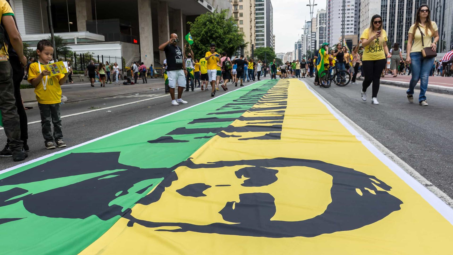 Estudo mostra que extrema direita do Brasil mimetiza extremistas dos EUA
