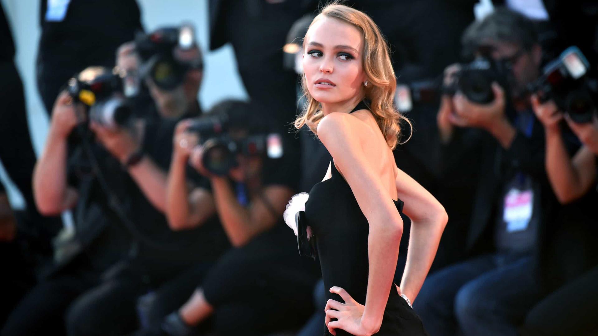 """Lily-Rose Depp, filha de Johnny Depp: """"Ninguém é perfeito"""""""