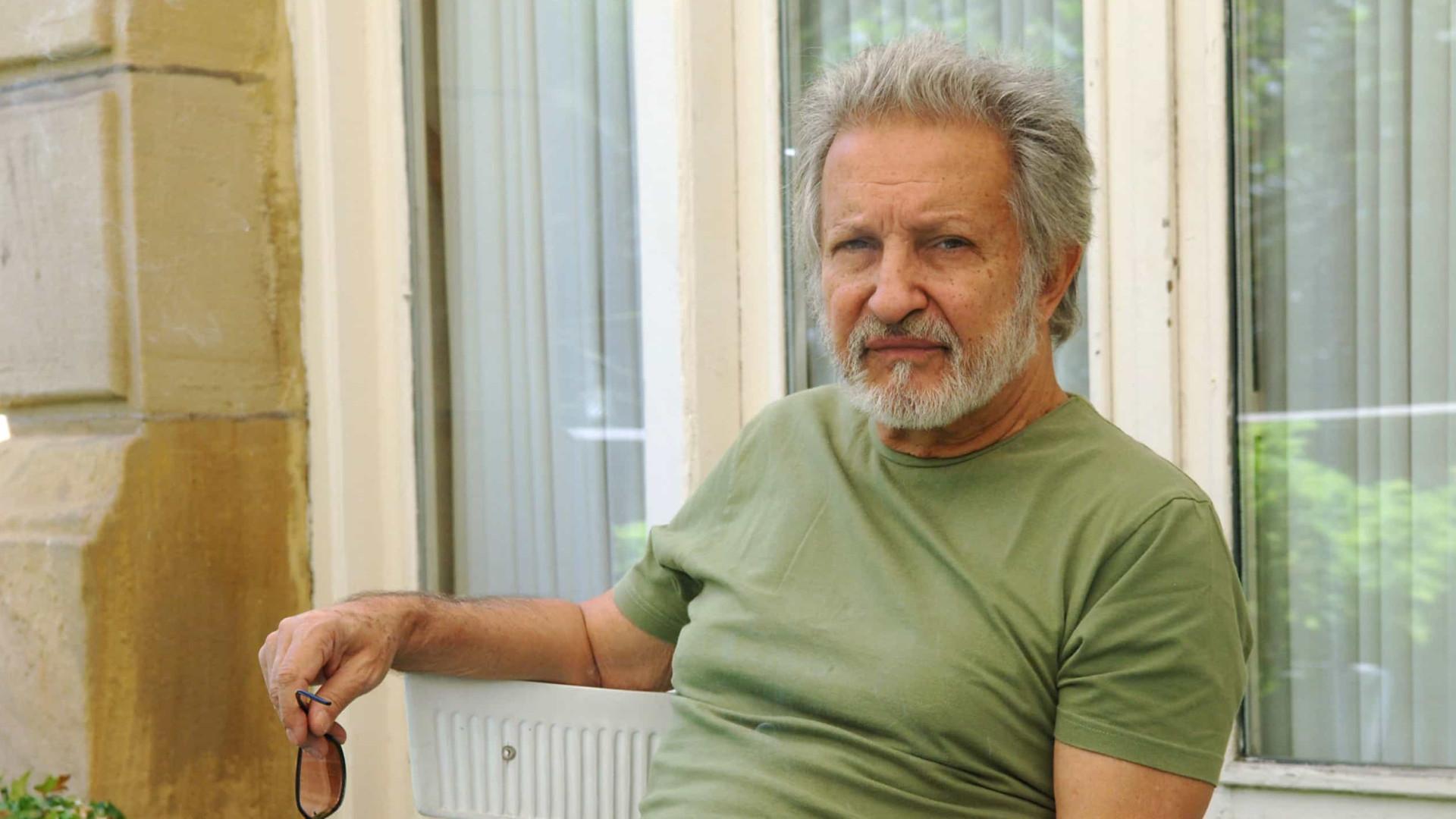Ruy Guerra, aos 90 anos, diz se sentir estrangeiro como nos tempos do cinema novo