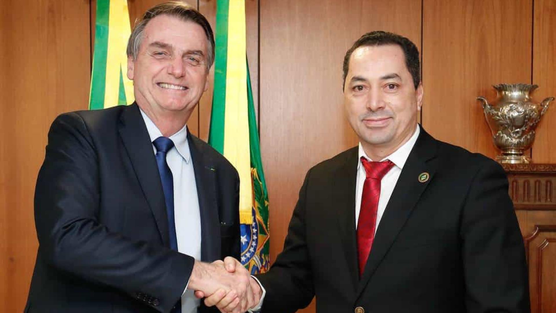 Empresário que organizou almoço de Bolsonaro com sertanejos está na UTI