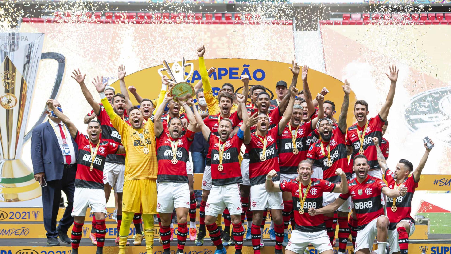 Herói nos pênaltis, Diego Alves celebra título do Flamengo: 'É especial'