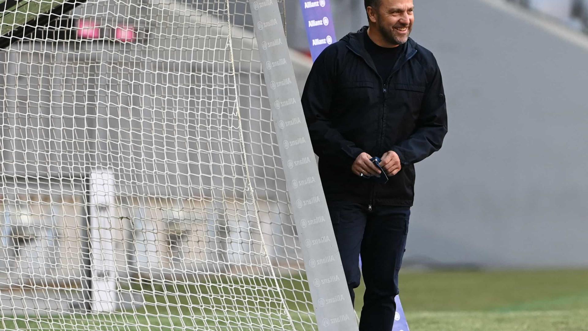 Flick acredita em classificação do Bayern, mas pede eficiência diante do PSG