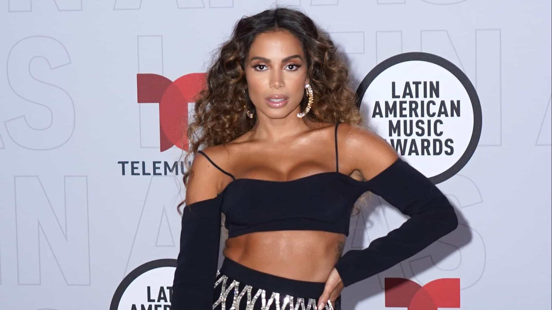Anitta vence prêmio de 'Melhor Artista Feminina' no Latin America Music Awards