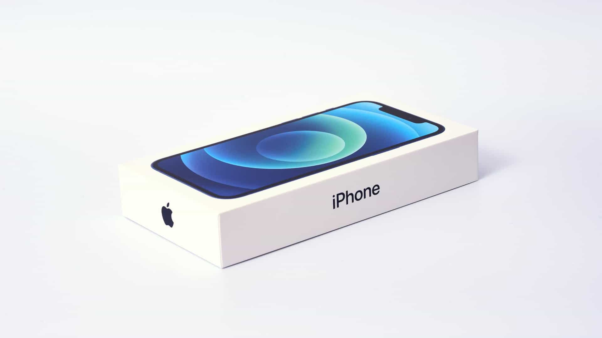 Apple revela benefícios de não incluir carregador no iPhone 12