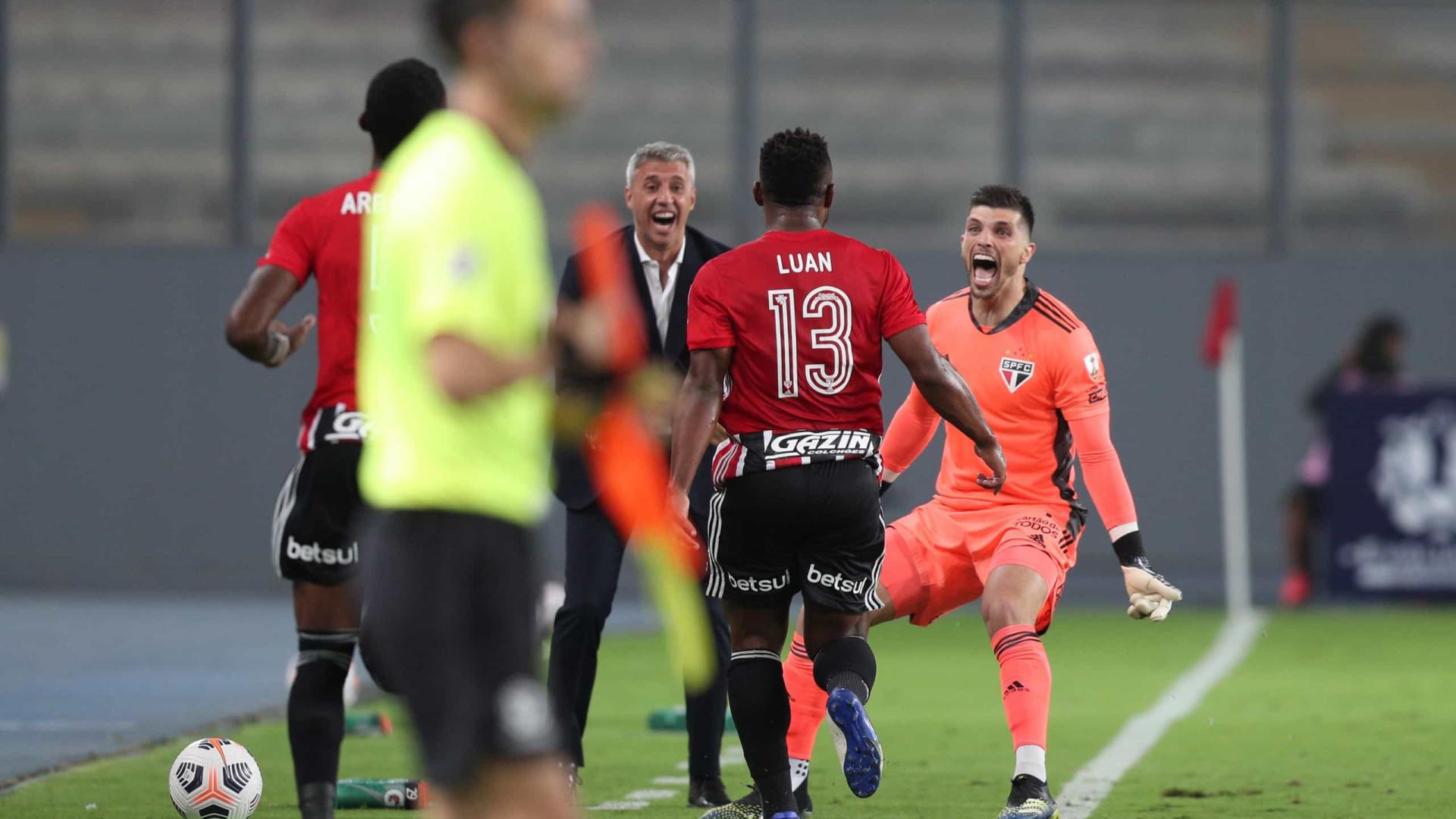 Crespo usa time misto do São Paulo para confronto com o Santo André, no Morumbi
