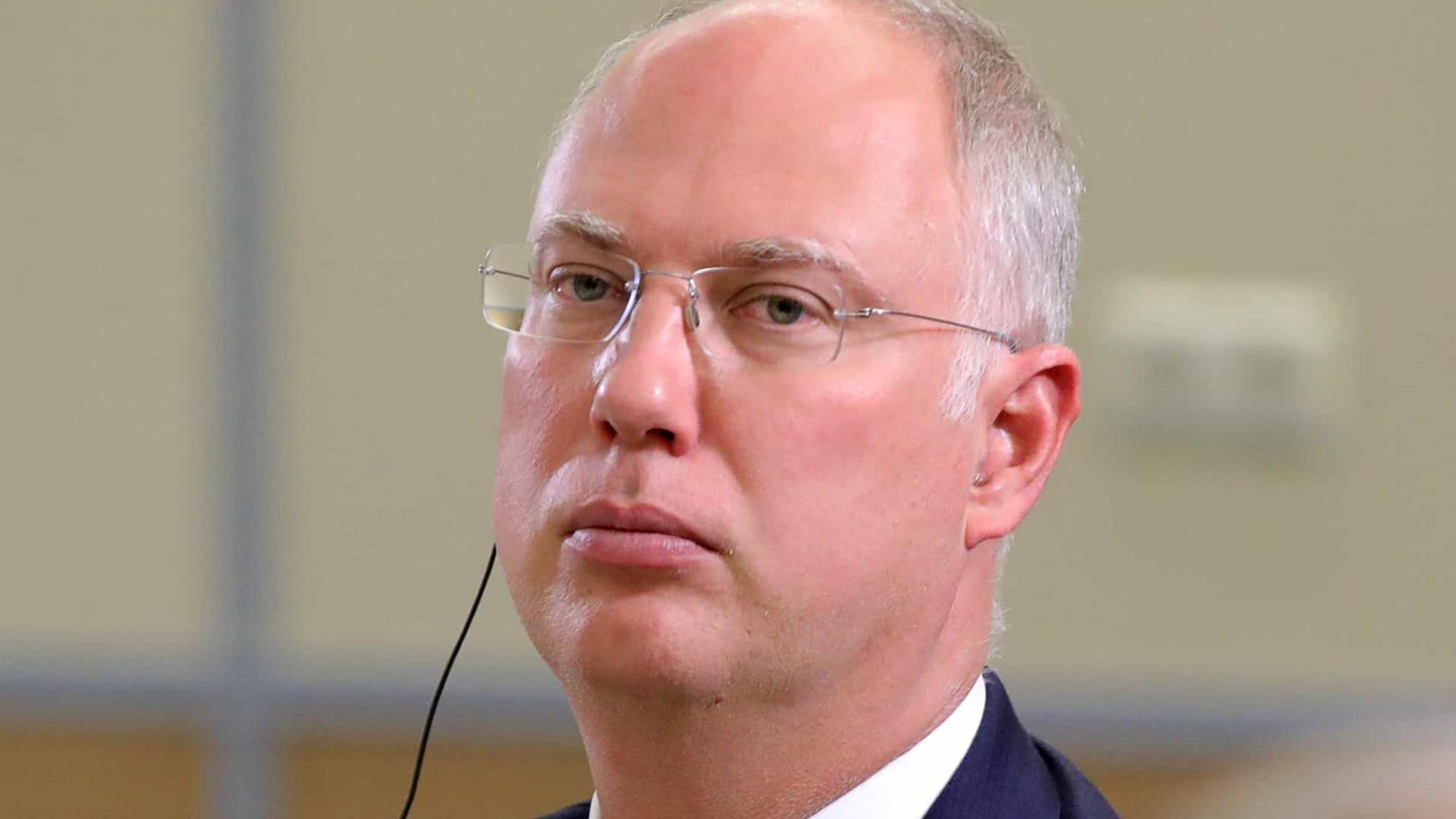 Diretor de fundo russo chama Anvisa de mentirosa por barrar Sputnik V no Brasil
