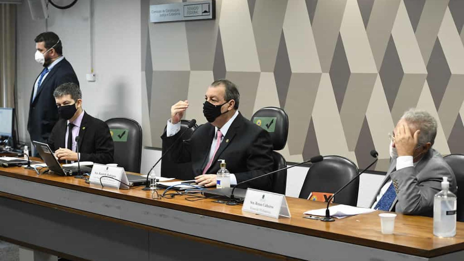 Aziz sobre prescrição de remédios: Quem é Bolsonaro para indicar medicação?