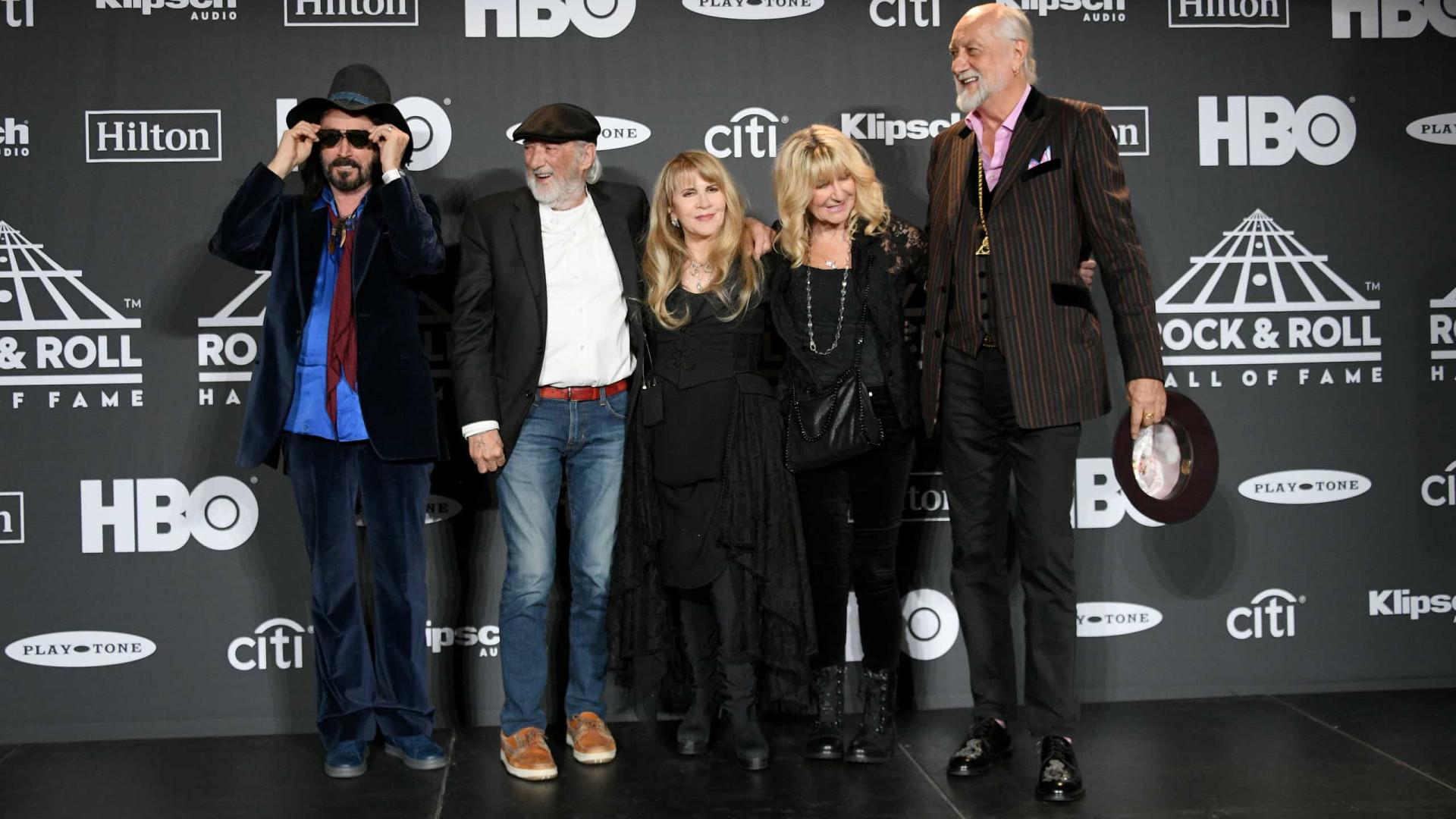 Fleetwood Mac retorna ao seu blues rock de beira de estrada em disco com amigos