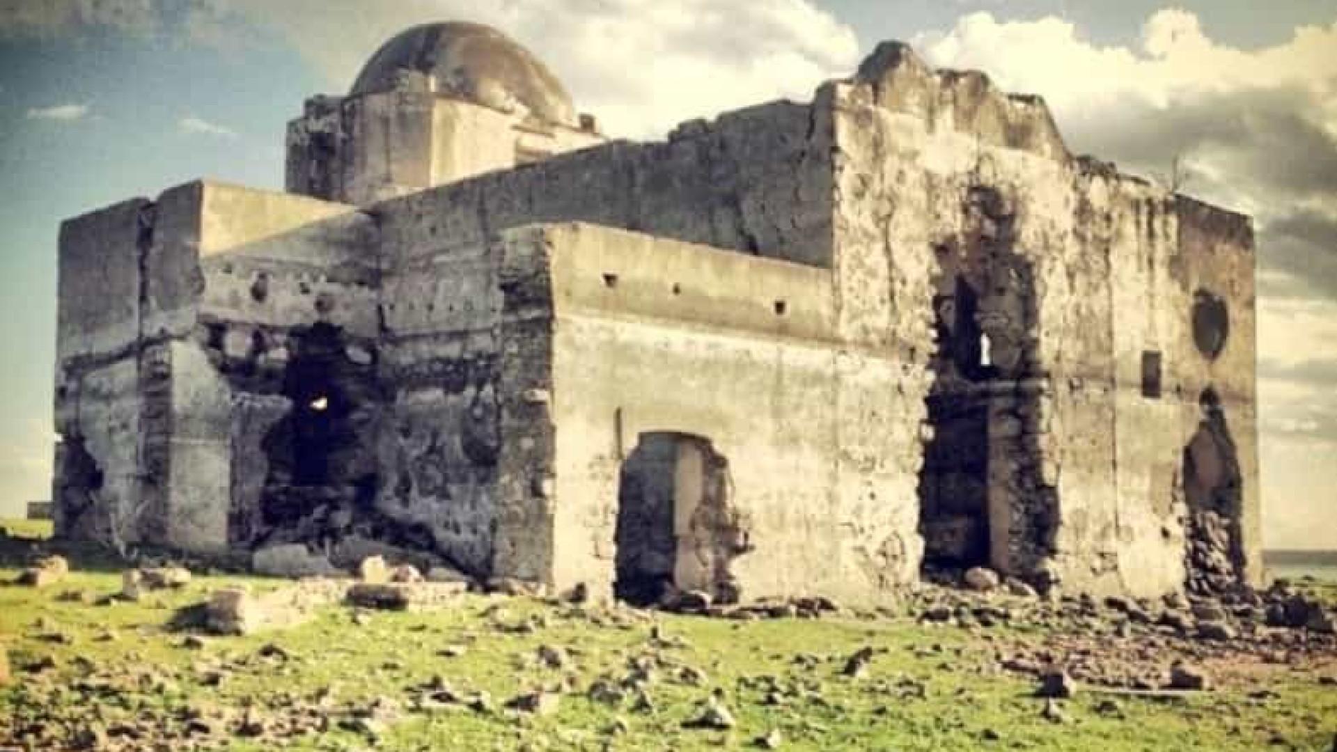 Seca no México faz ressurgir Igreja que estava submersa há 40 anos