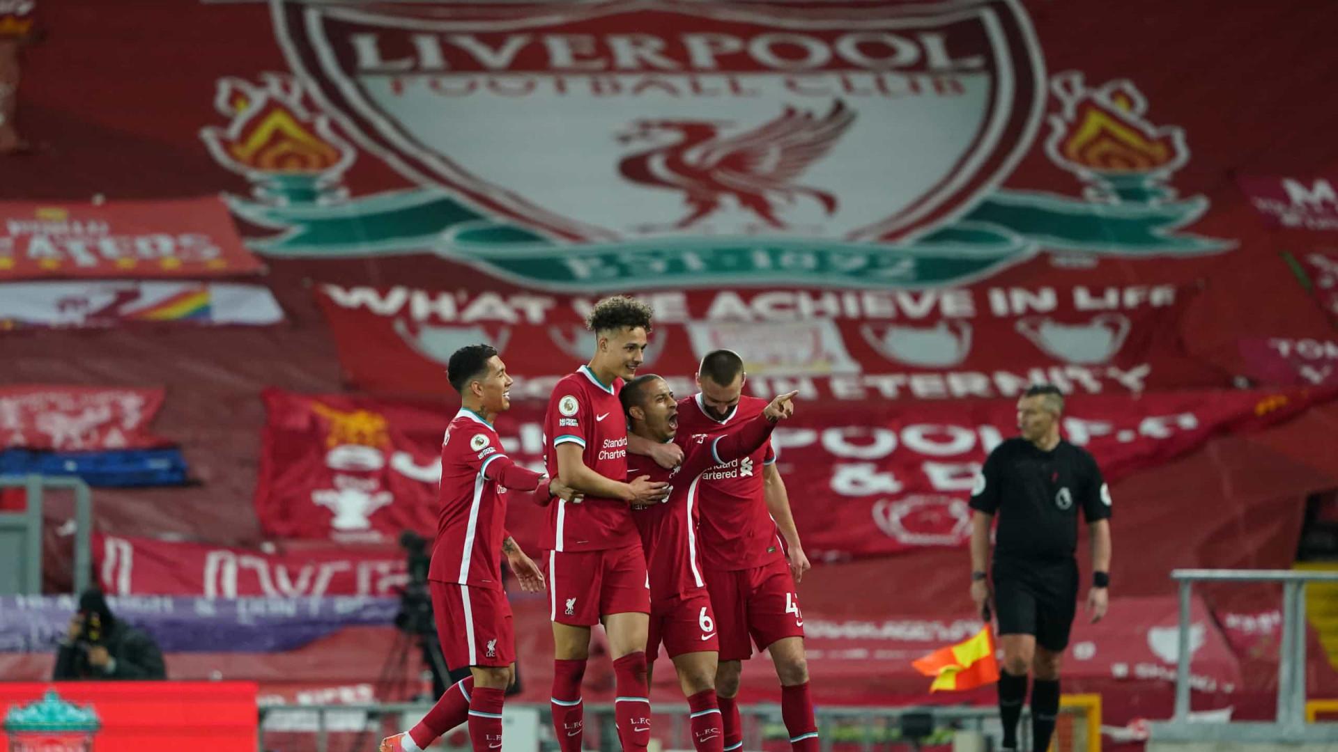 Com gol de Thiago Alcântara, Liverpool vence Southampton e reage no Inglês