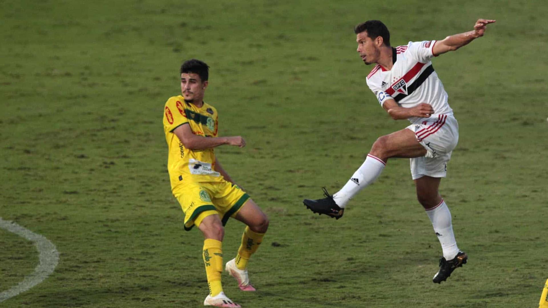 Já classificados, Mirassol e São Paulo empatam em jogo movimentado pelo Paulistão