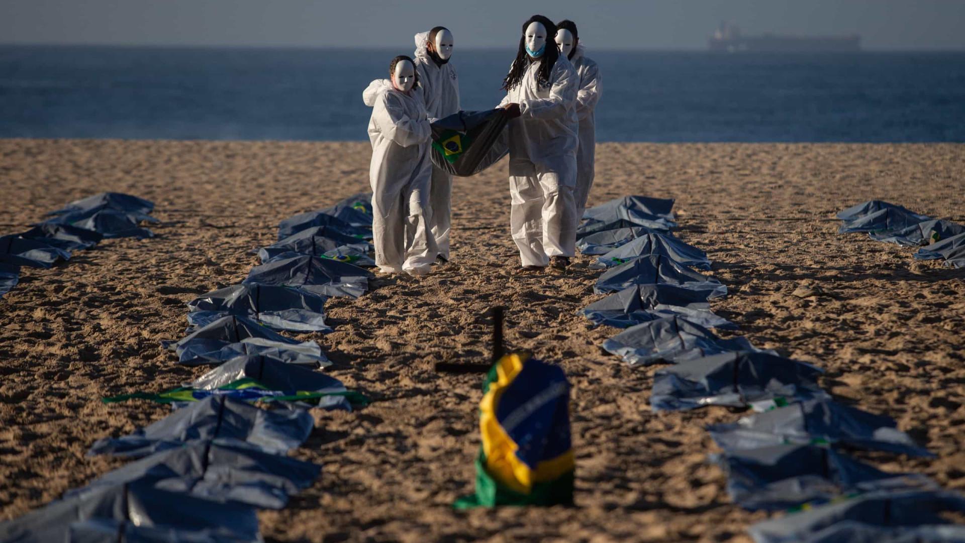Média diária de mortes por Covid-19 no Brasil continua acima de 2.000