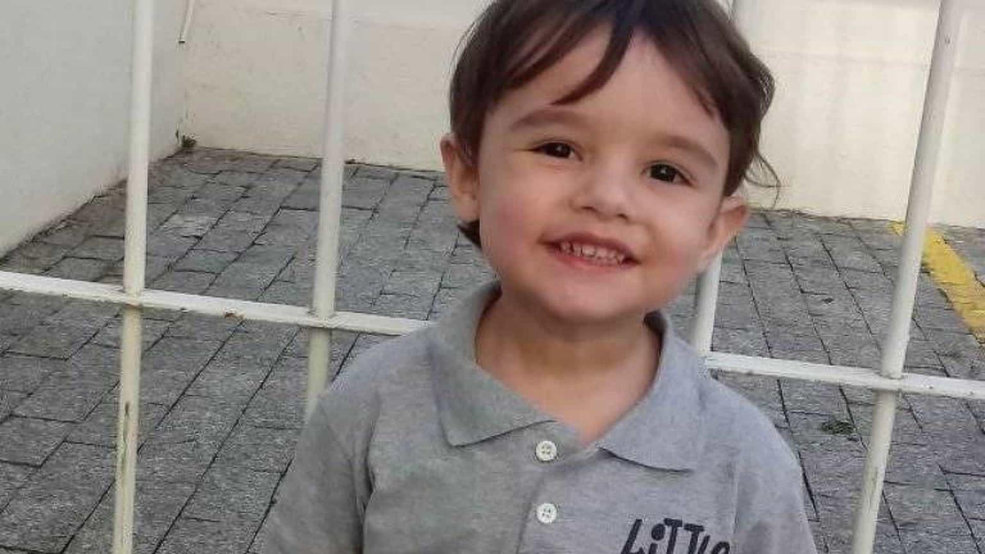Mãe de menino de 3 anos morto em SP é indiciada por homicídio qualificado