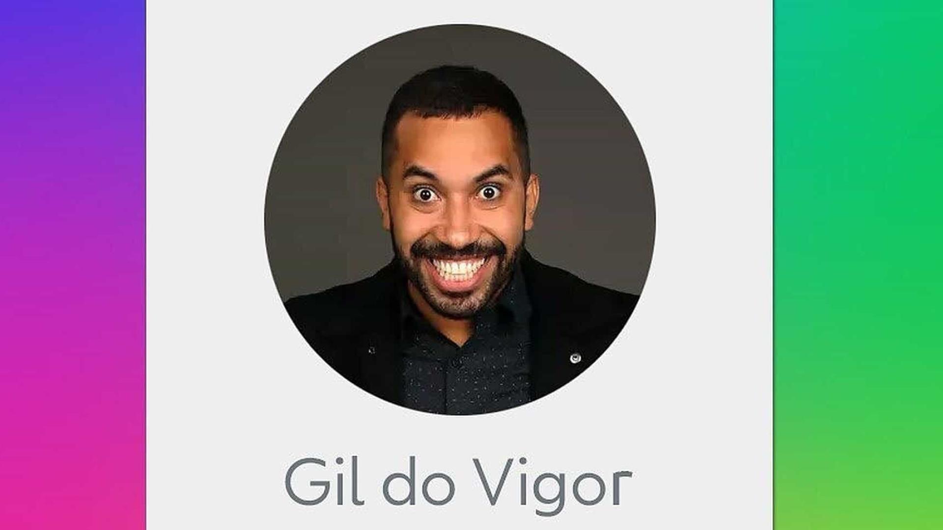 Gil do Vigor se emociona ao receber primeiro exemplar de seu livro