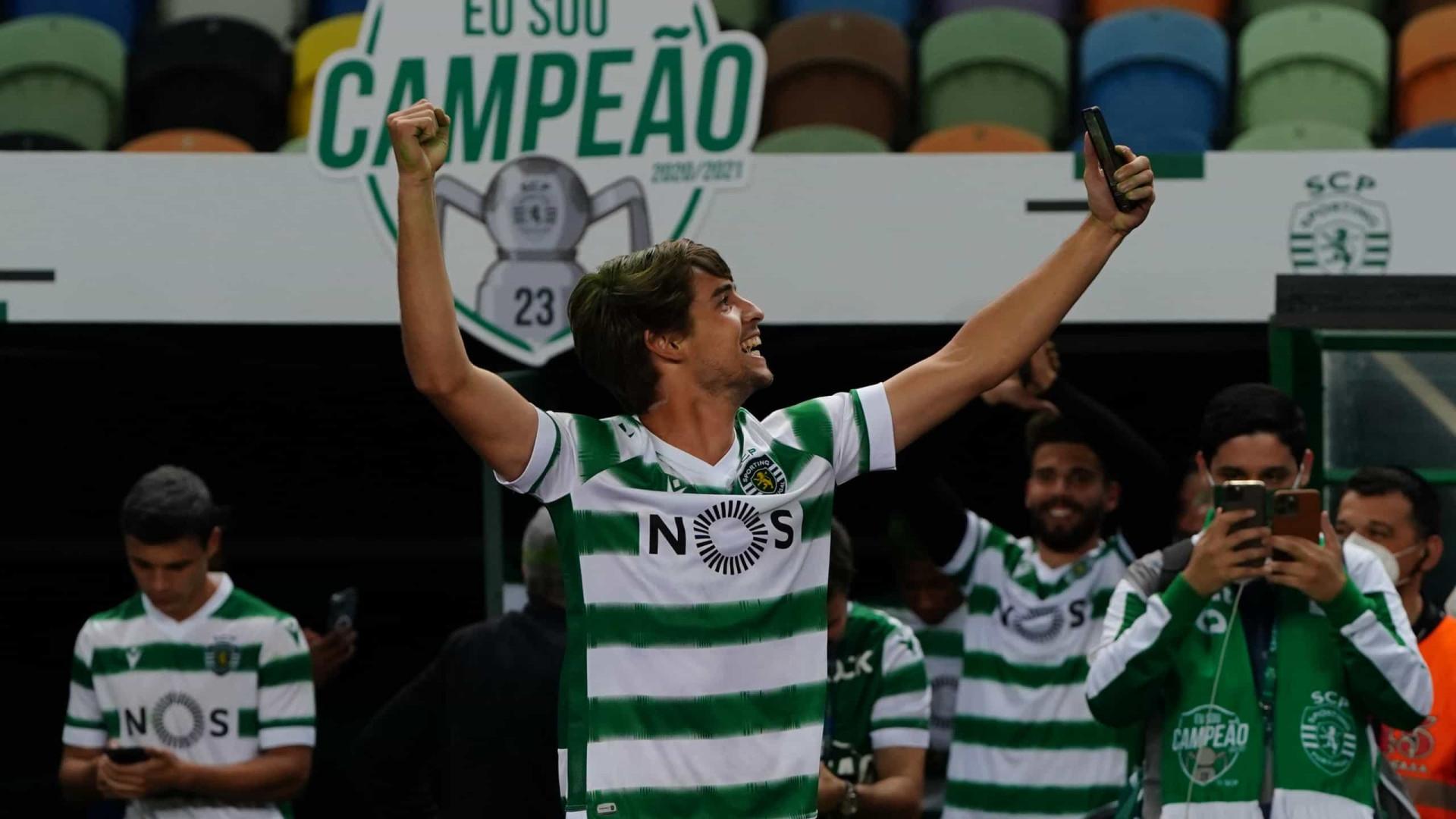 Sporting encerra jejum de 19 anos e volta a ser campeão português