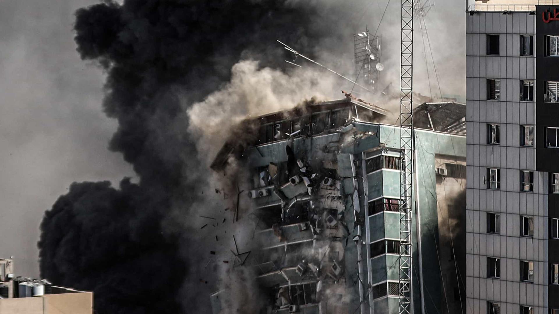 'Ataque a prédio foi necessário porque Hamas usa mídia como escudo', diz porta-voz de Israel