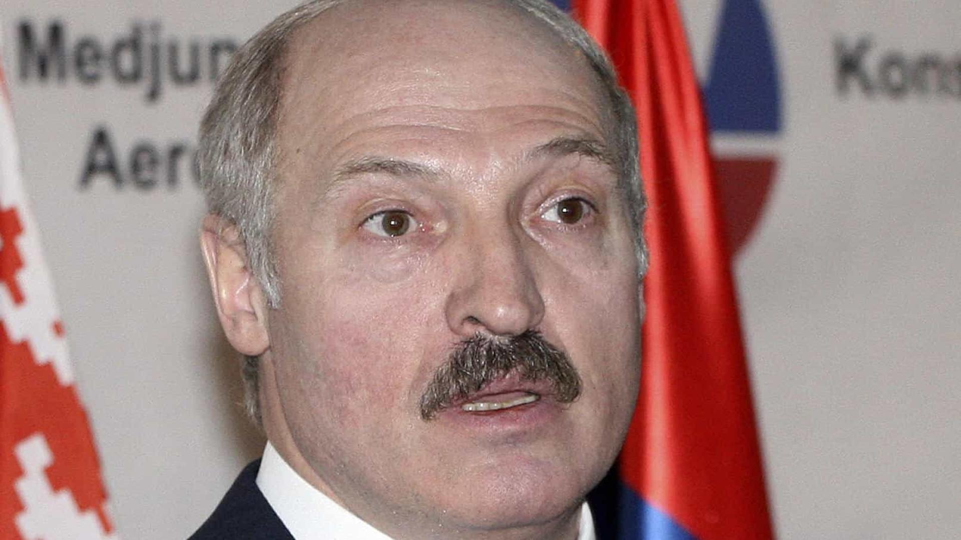 Lukachenko fecha principal site da Belarus e processa jornalistas