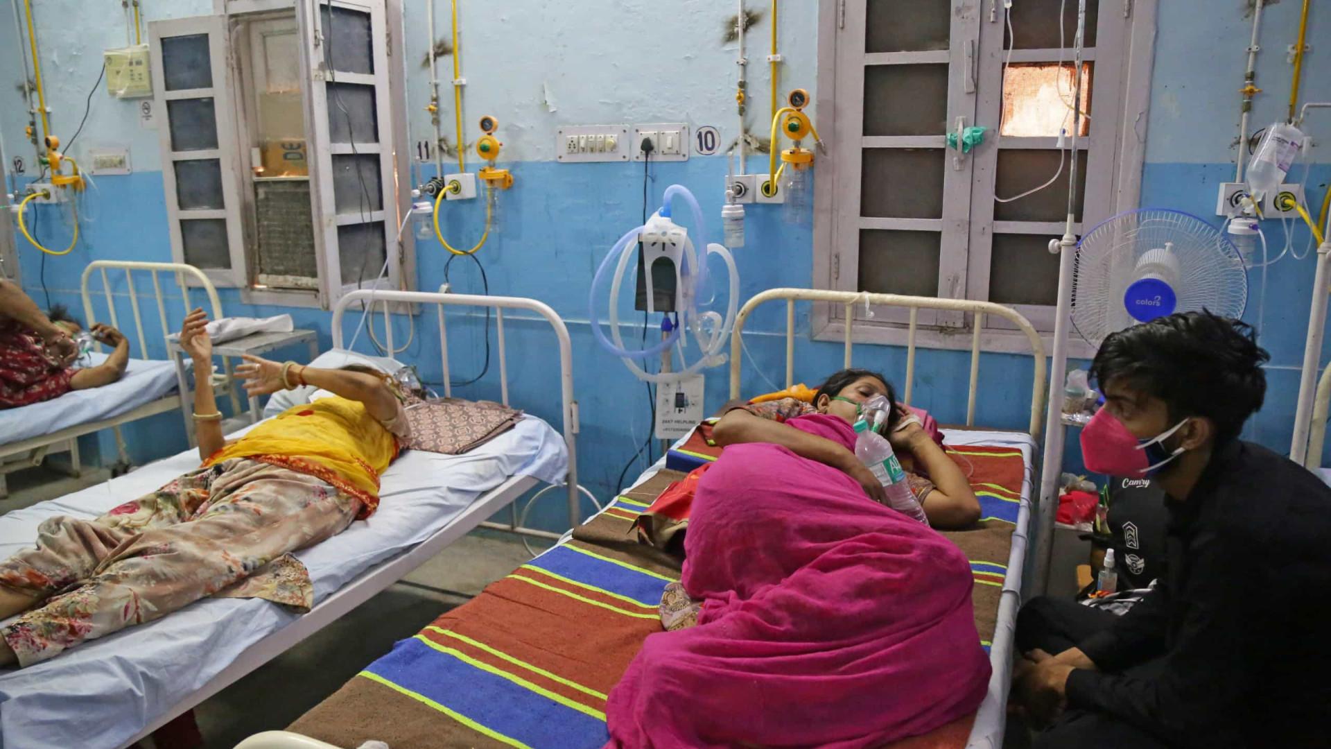 Índia bate novo recorde de mortes por Covid após revisão em estado acusado de subnotificação