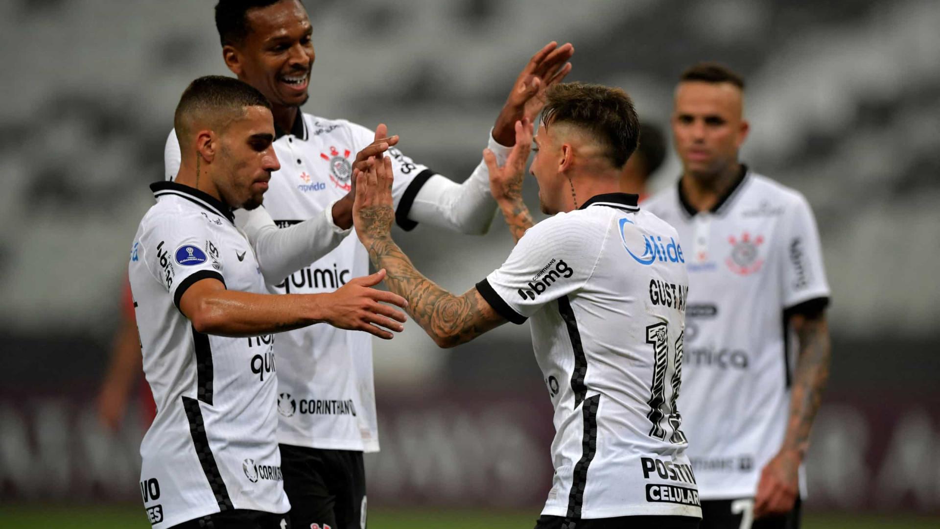 Corinthians estreia contra o Atlético-GO no Brasileiro e aposta na sua base