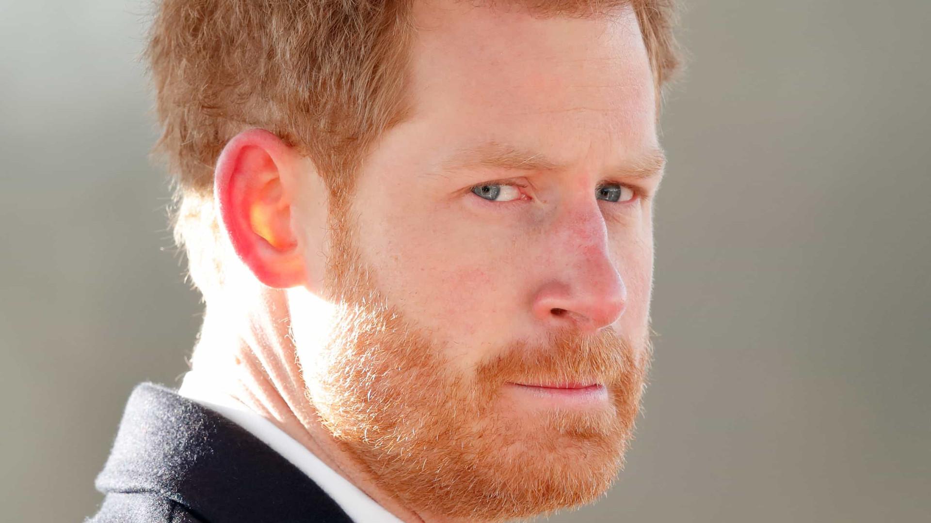 Príncipe Harry poderá faltar a homenagem à mãe, a princesa Diana