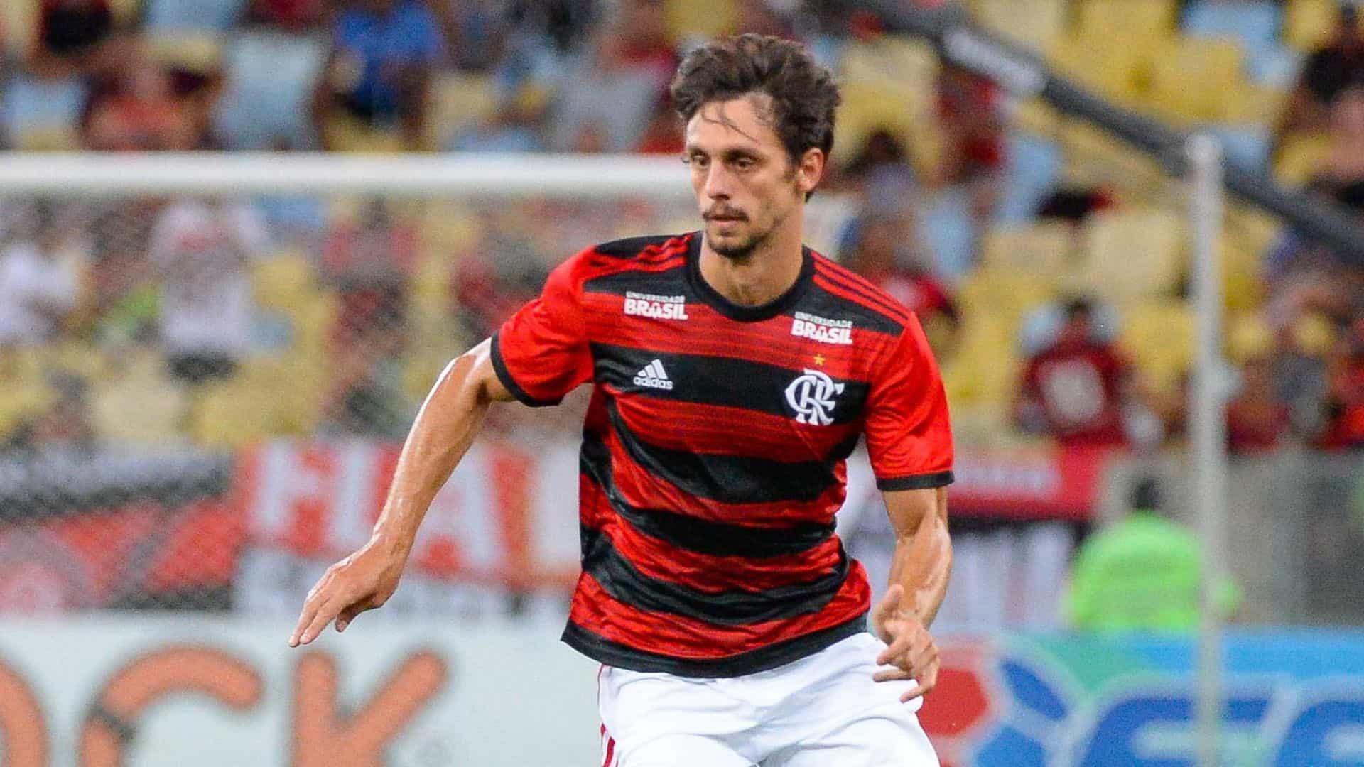 Após empate, Rodrigo Caio valoriza evolução defensiva do Flamengo