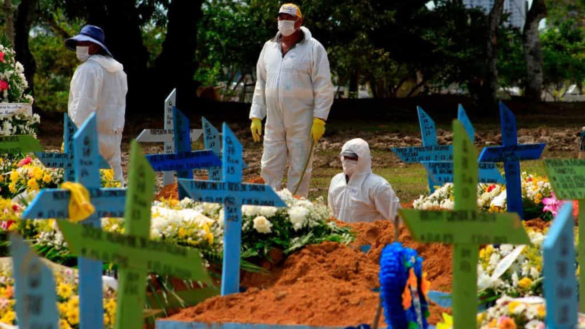 Brasil registra média de 1.849 mortes por covid-19; total passa de 462,9 mil