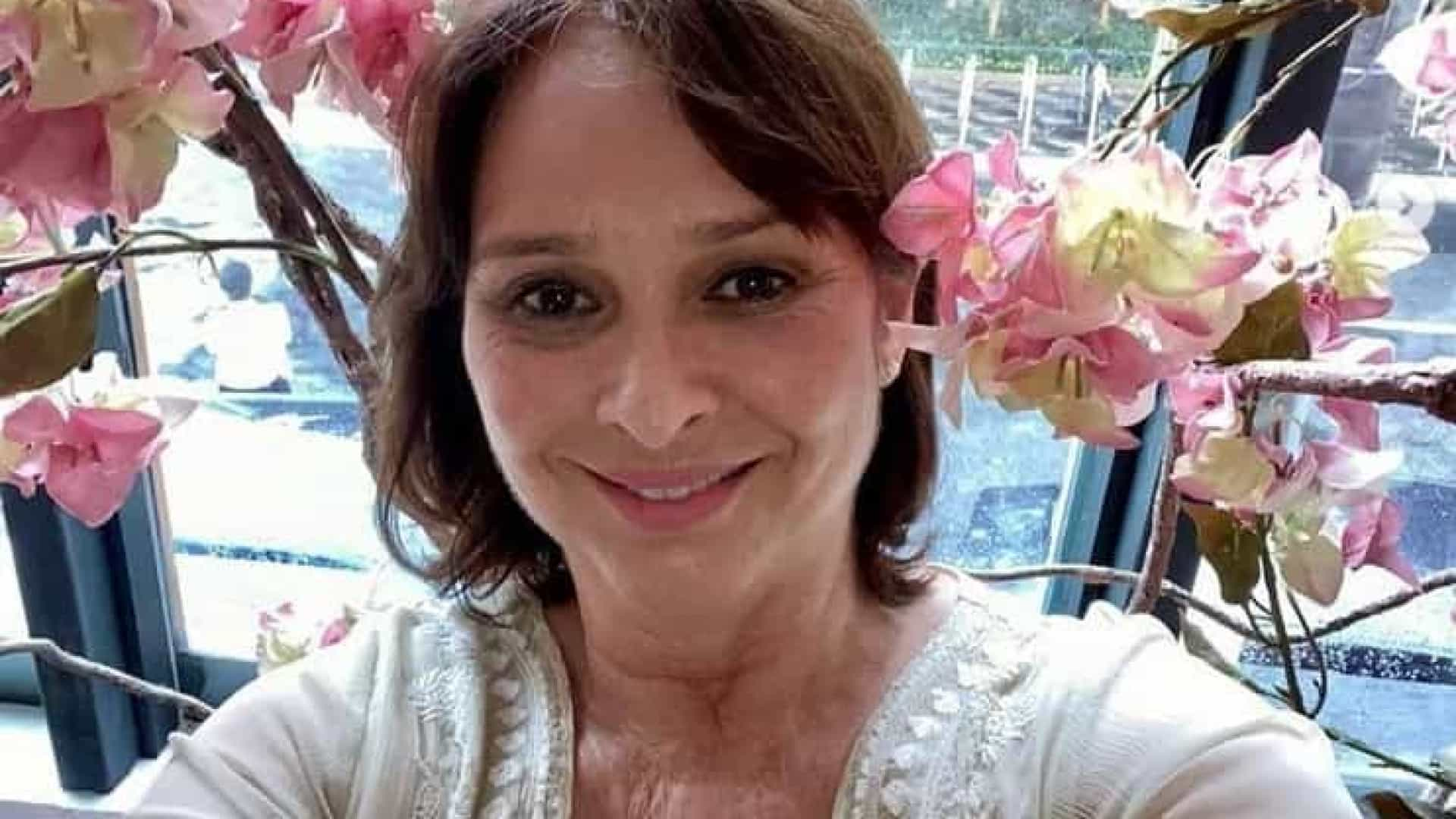 Myrian Rios surpreende fãs e revela que está completamente surda