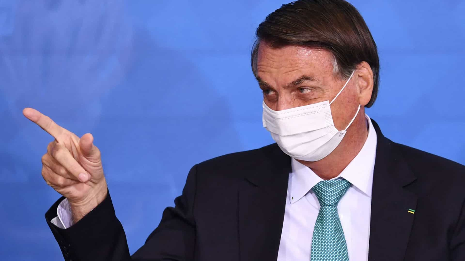 Bolsonaro mantém discurso de supernotificação de covid-19 e segue citando TCU