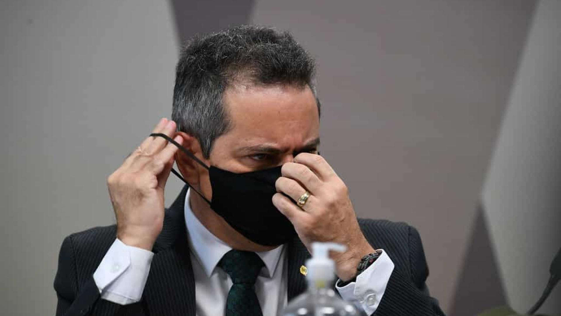 Na CPI, Franco critica exigências da Pfizer para venda de vacina contra covid-19