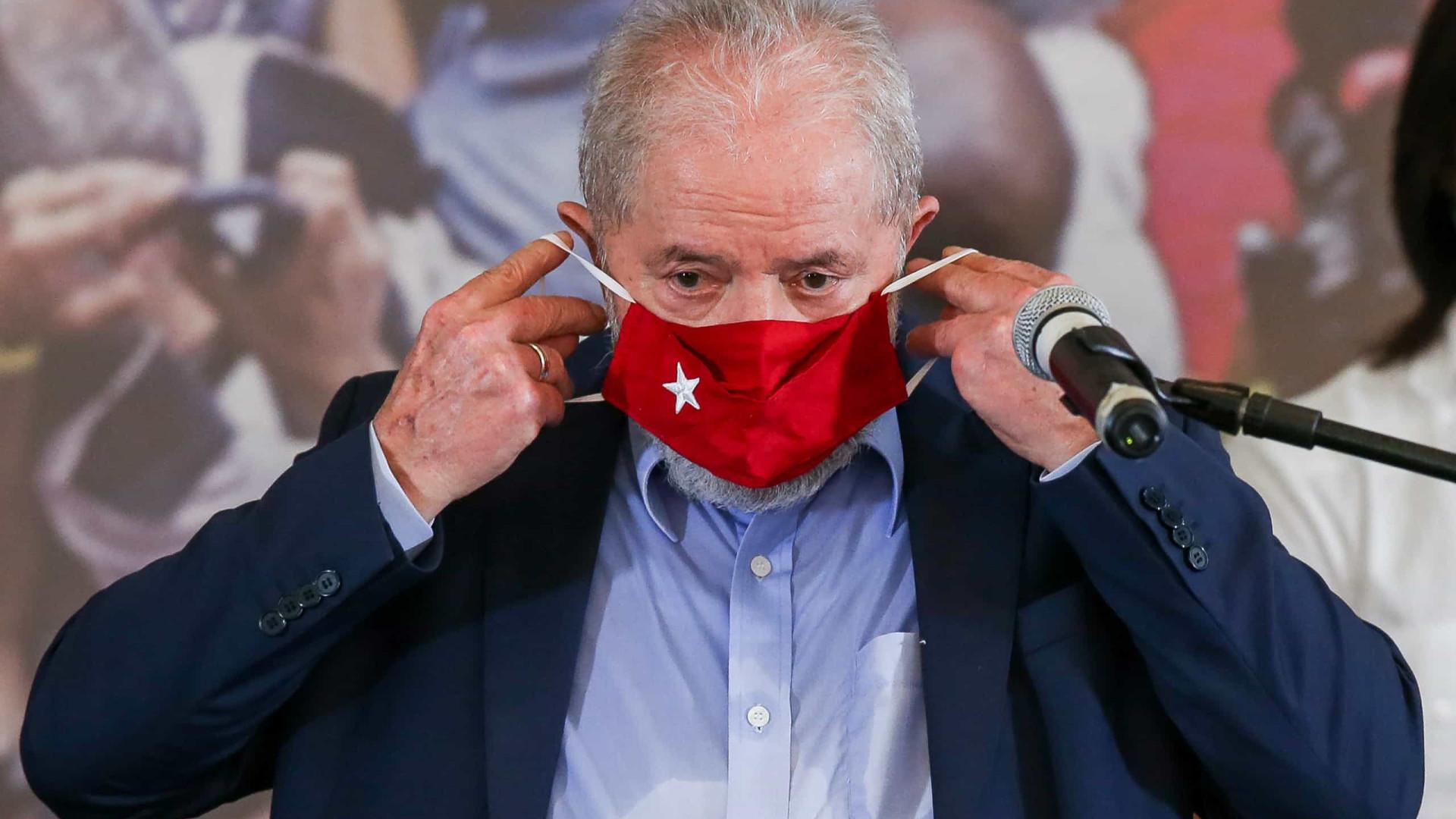 Lula compara máscara a cabresto, mas diz que usa para se diferenciar de 'genocida'