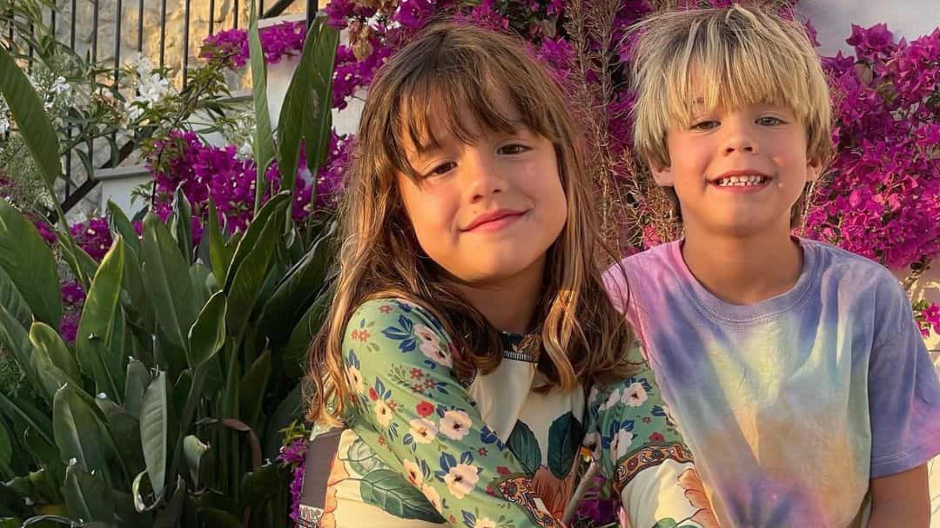 Luana Piovani de férias em Ibiza com o namorado e os filhos