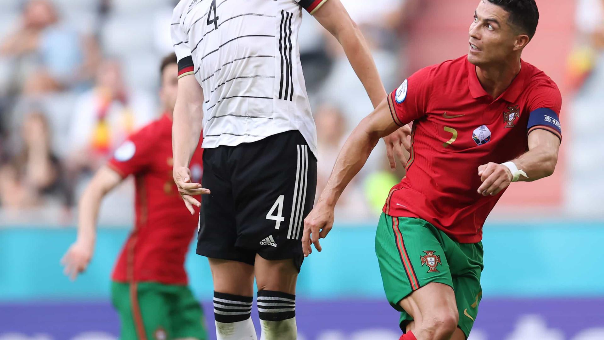 Com dois gols contra, Alemanha marca quatro e vence Portugal na Euro