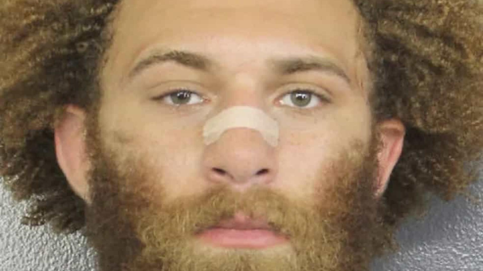 Lutador do UFC é preso por agressão e roubo