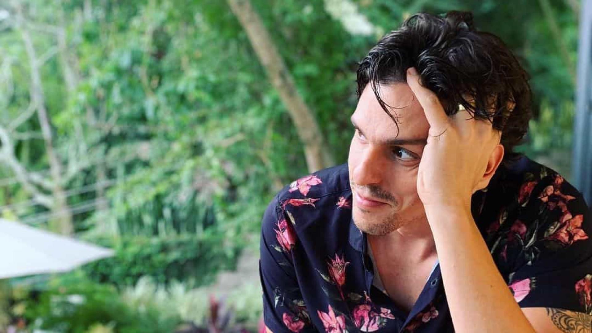 Rafael Infante estreia quadro de humor no reality No Limite