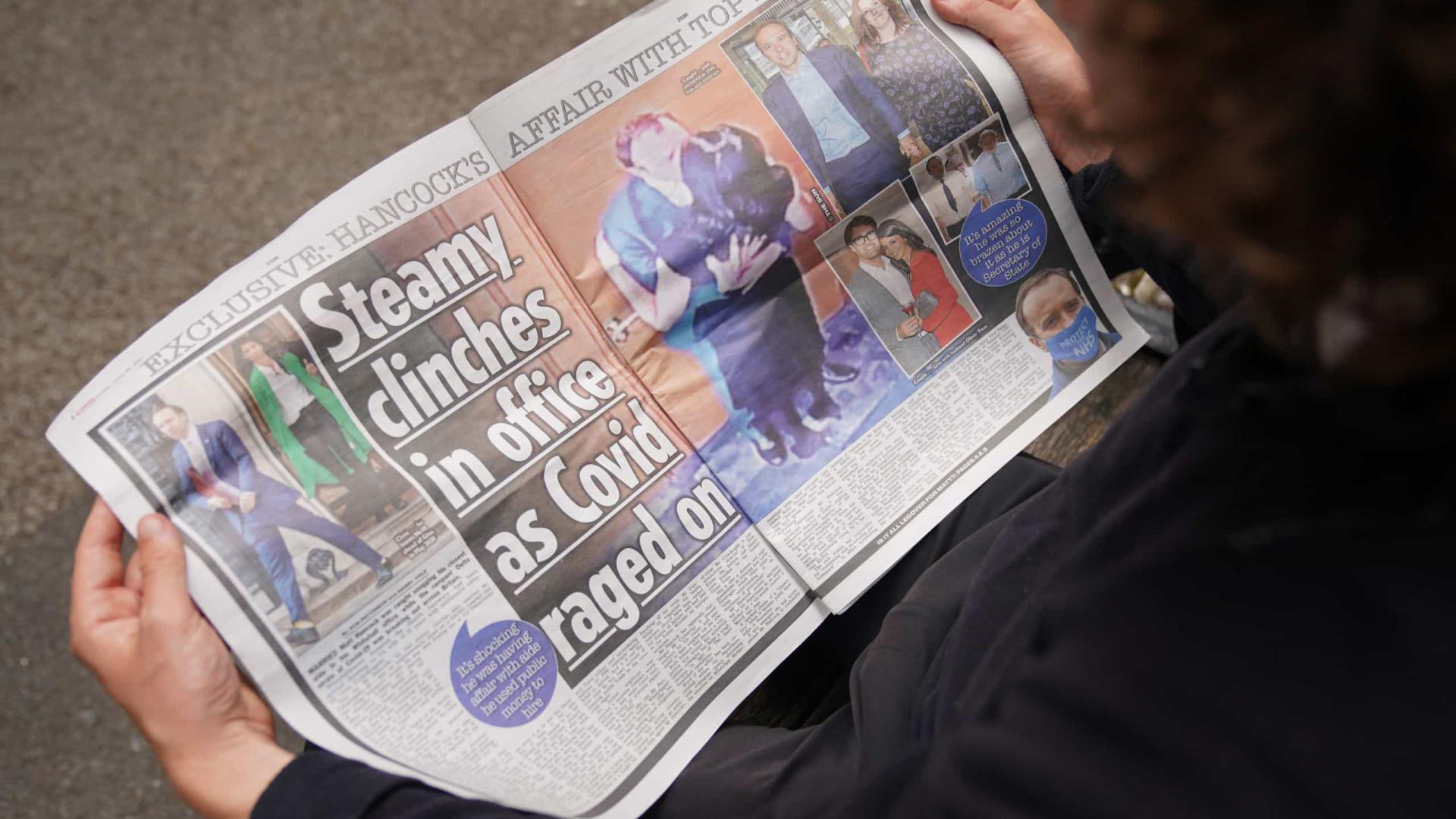 Escândalo sexual atinge um dos chefes do combate à Covid no Reino Unido