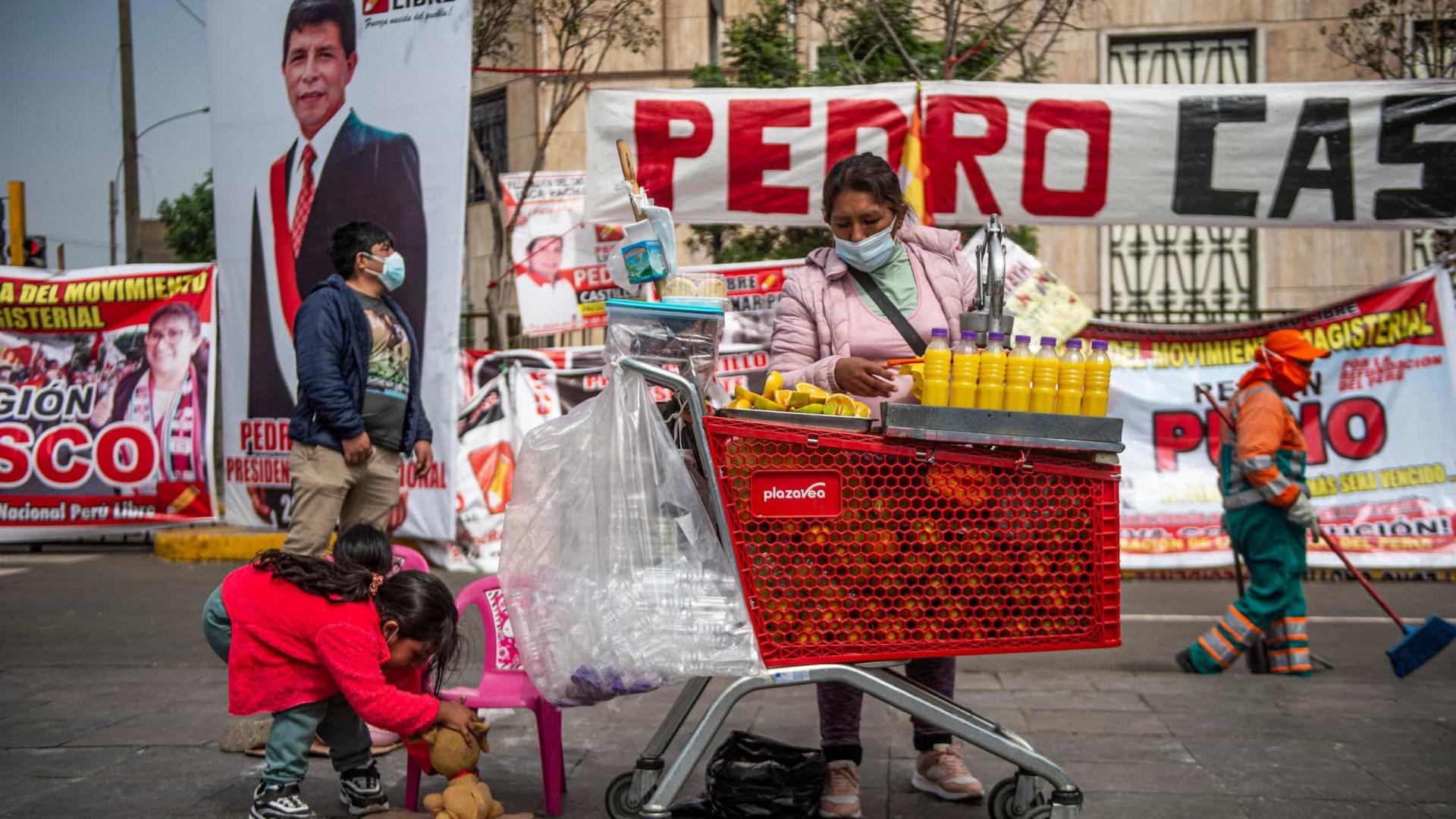 Entenda por que o Peru ainda não definiu seu presidente um mês após eleição