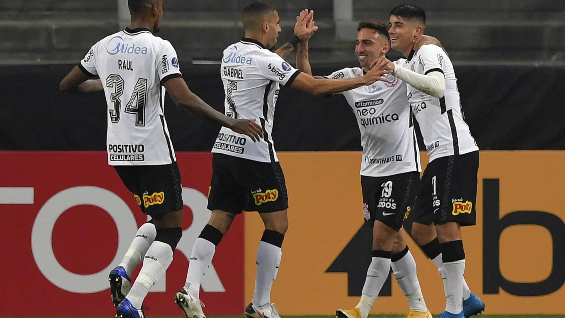 Corinthians é derrotado pelo Fortaleza e perde o embalo no Brasileirão