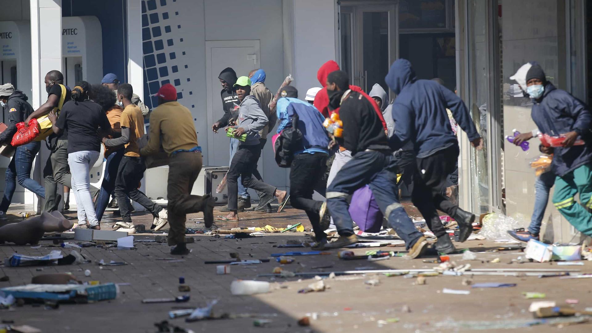 Protestos na África do Sul após prisão de ex-presidente deixam ao menos 6 mortos