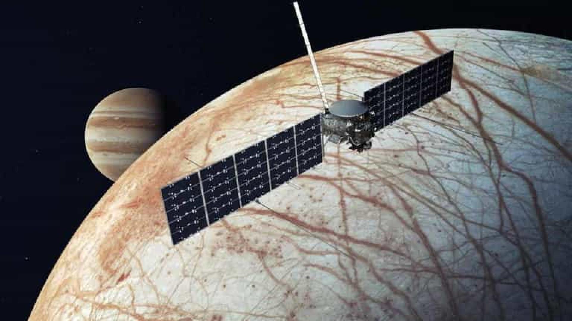 SpaceX é escolhida para participar em missão a lua de Júpiter