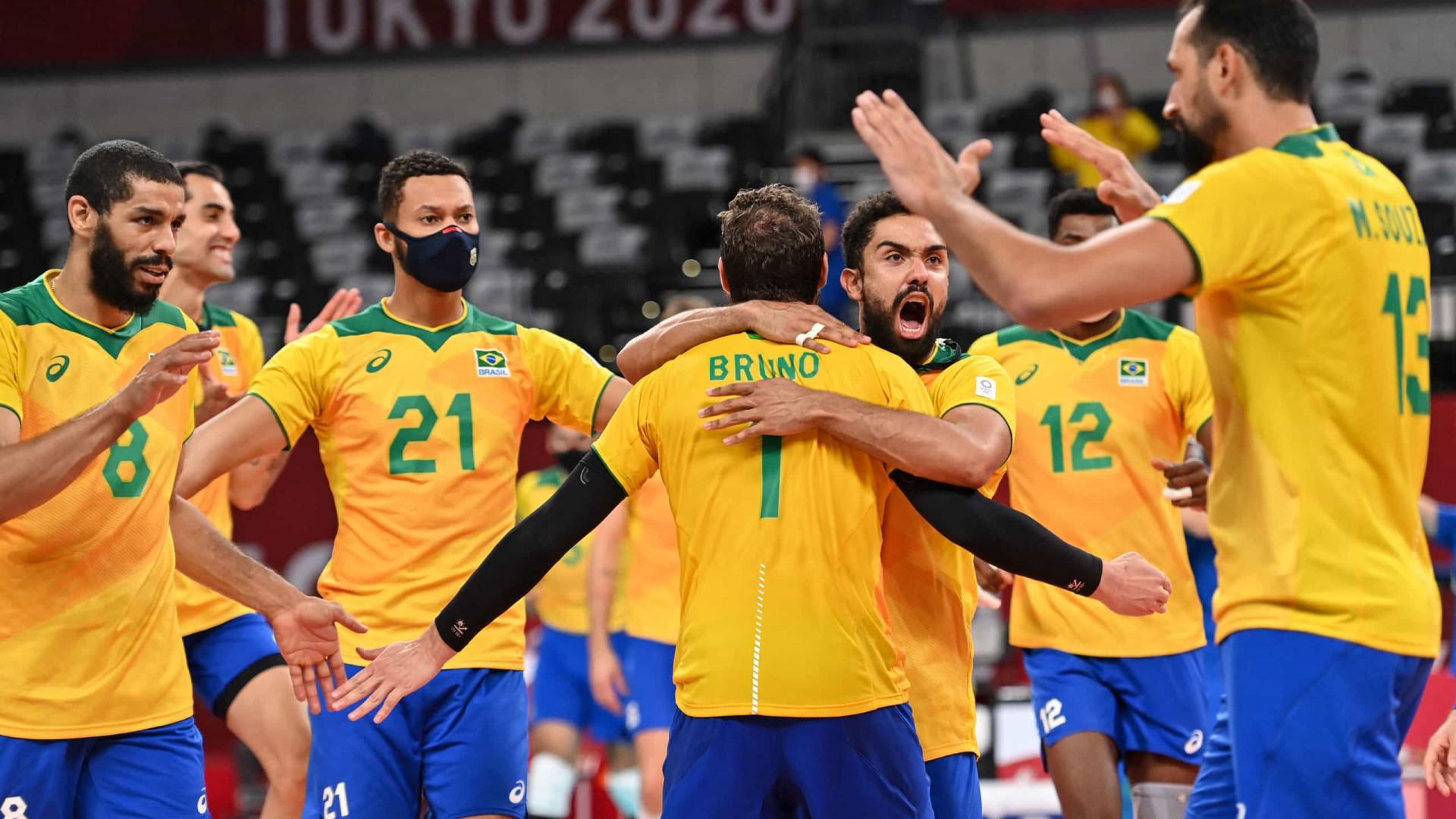 De virada, seleção masculina de vôlei vence EUA e reage na Olimpíada