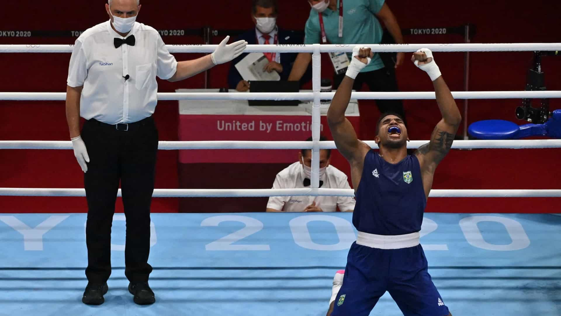Abner Teixeira derrota jordaniano e garante o bronze no boxe dos Jogos de Tóquio