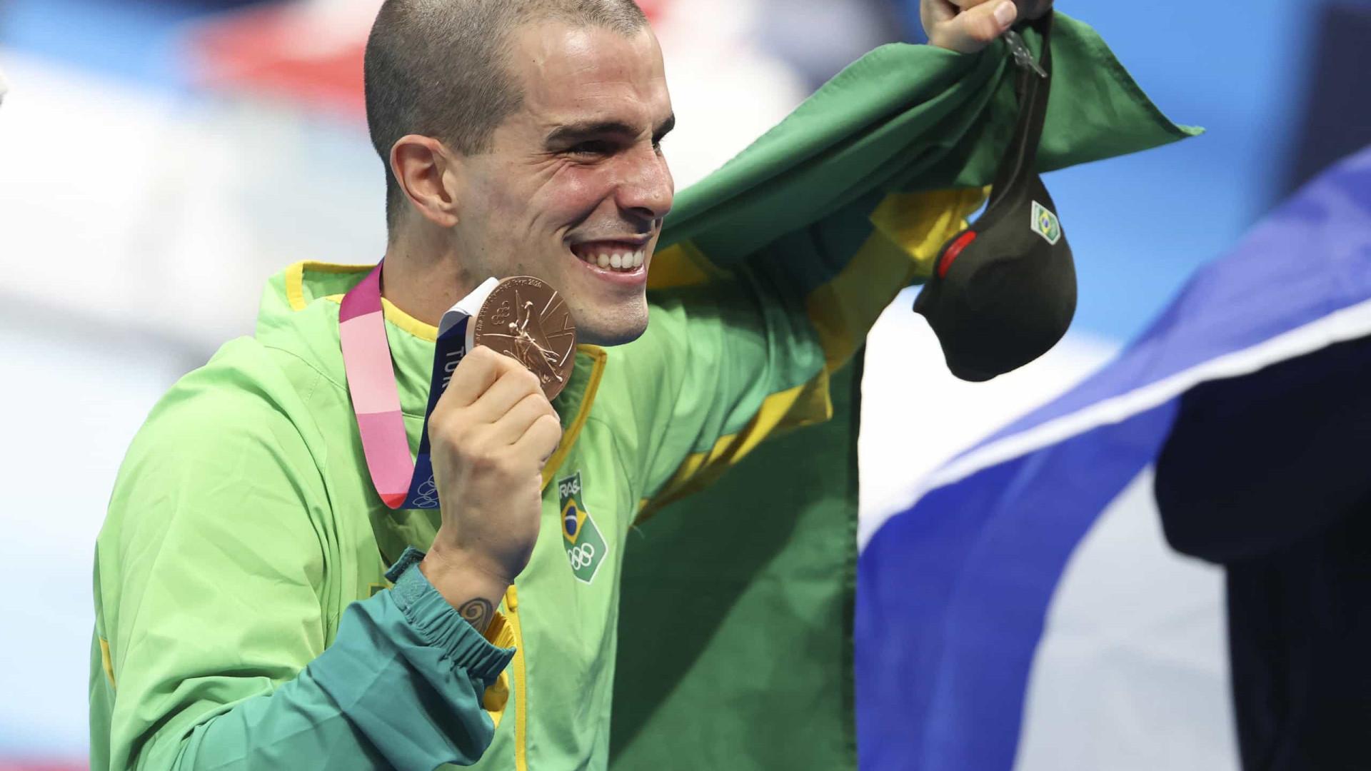 Bruno Fratus fatura bronze e conquista medalha olímpica que tanto buscou nos 50 m livre