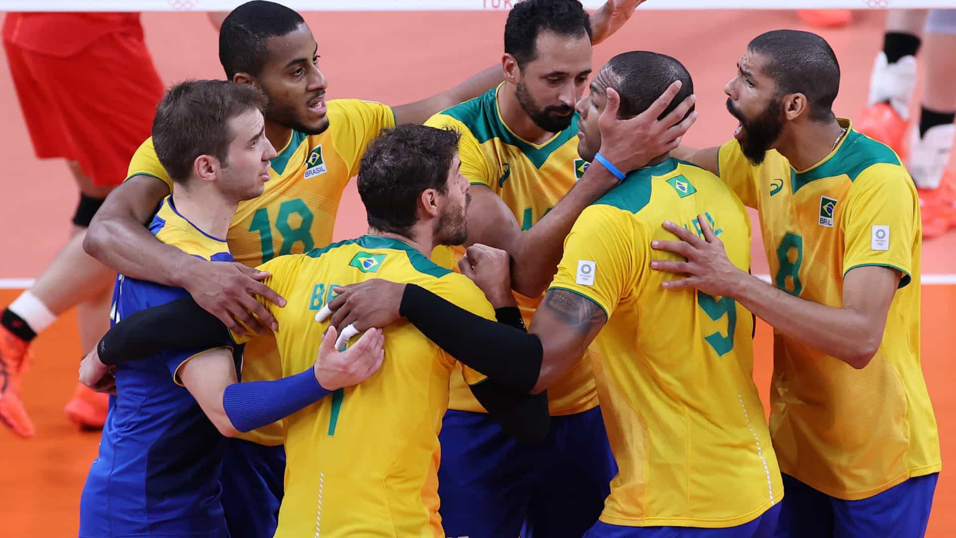 Seleção brasileira elimina Japão e pega russos na semifinal do vôlei masculino